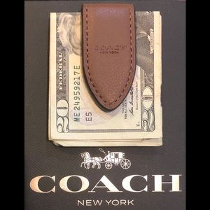 NWT Authentic Coach Leather Money Clip